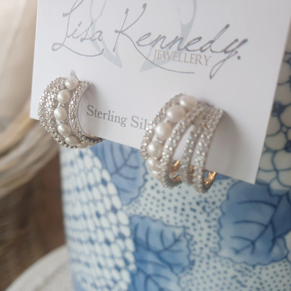 Earrings cuffs of pearls and bling