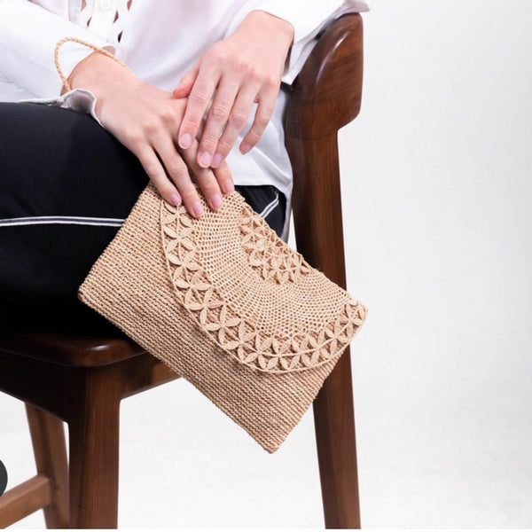 Tanora Clutch in Natural