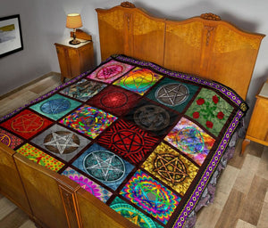 Multi-Pentacle Premium Quilt - The Moonlight Shop