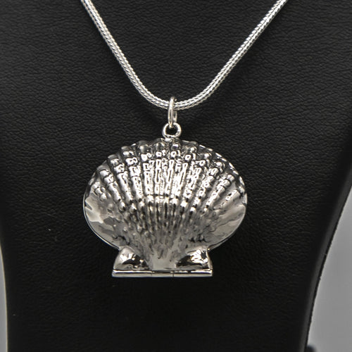 Silver Clam shell photo locket on thick silver italian chain