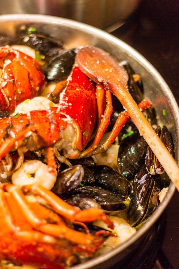 Seafood Platter (Portuguese Style - HOT) - Serves 6 ppl