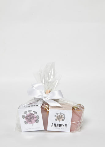 relaxing frankincense, neroli & rose gift pack