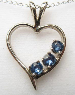 Montana Sapphire Necklace, 3-Stone Heart
