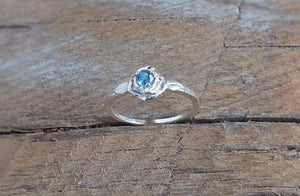 Montana Sapphire Ring, 3-Prong Sterling Rose