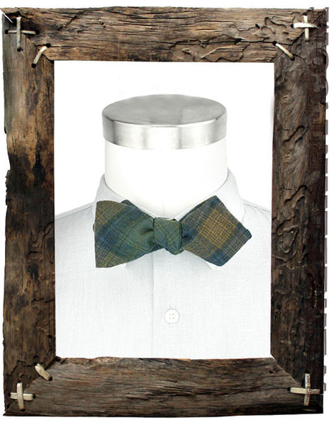 diamond point bow tie shape