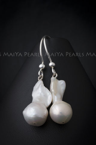 Earrings - Baroque Pearls with tail and 925 Sterling Silver Setting