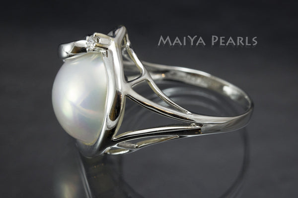 Ring - White Mabé Pearl with Diamond and 14K White Gold
