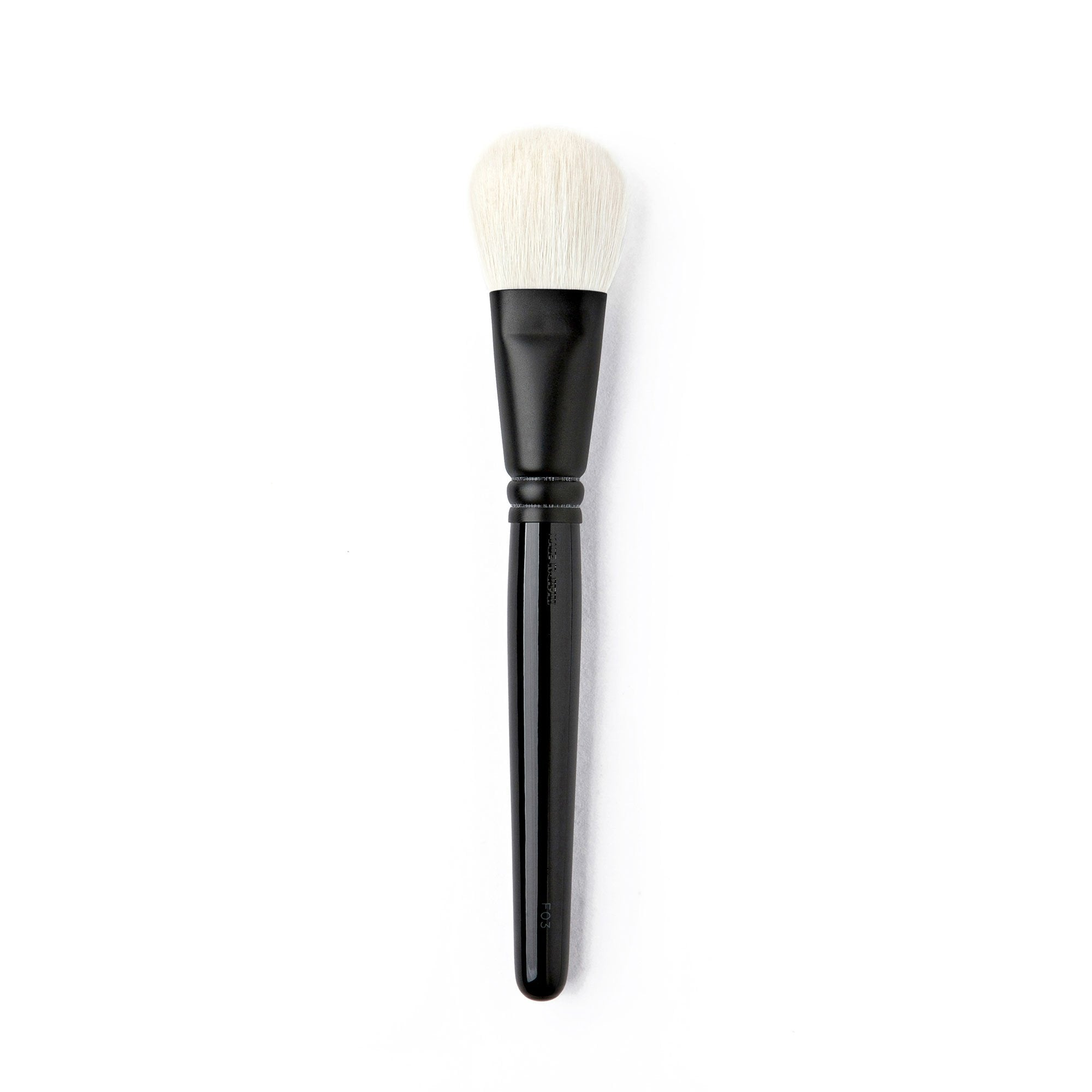 F03 – Blush/Powder Brush