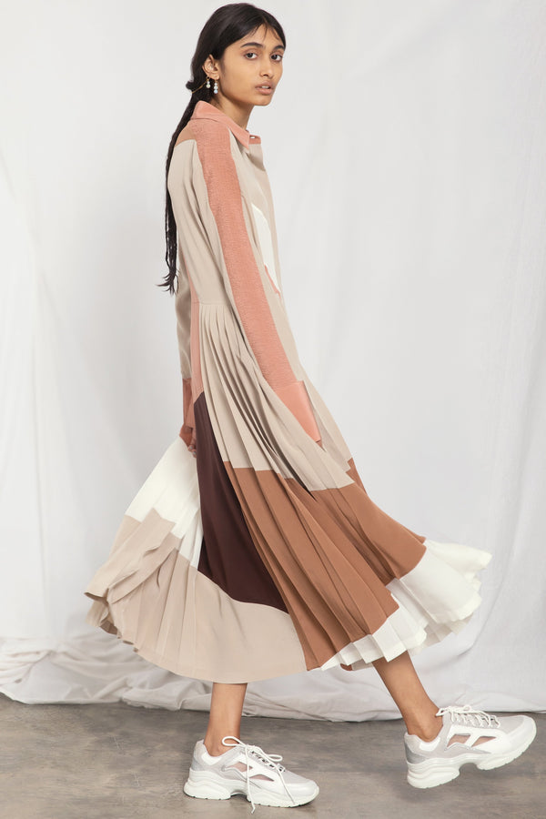 Colour-block pleated silk dress