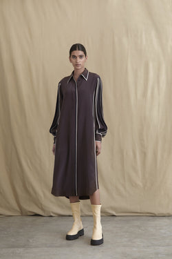 Silk shirt dress with contrast pleated sleeves