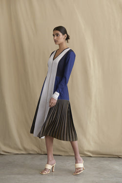 Colour-block dress with side pleating