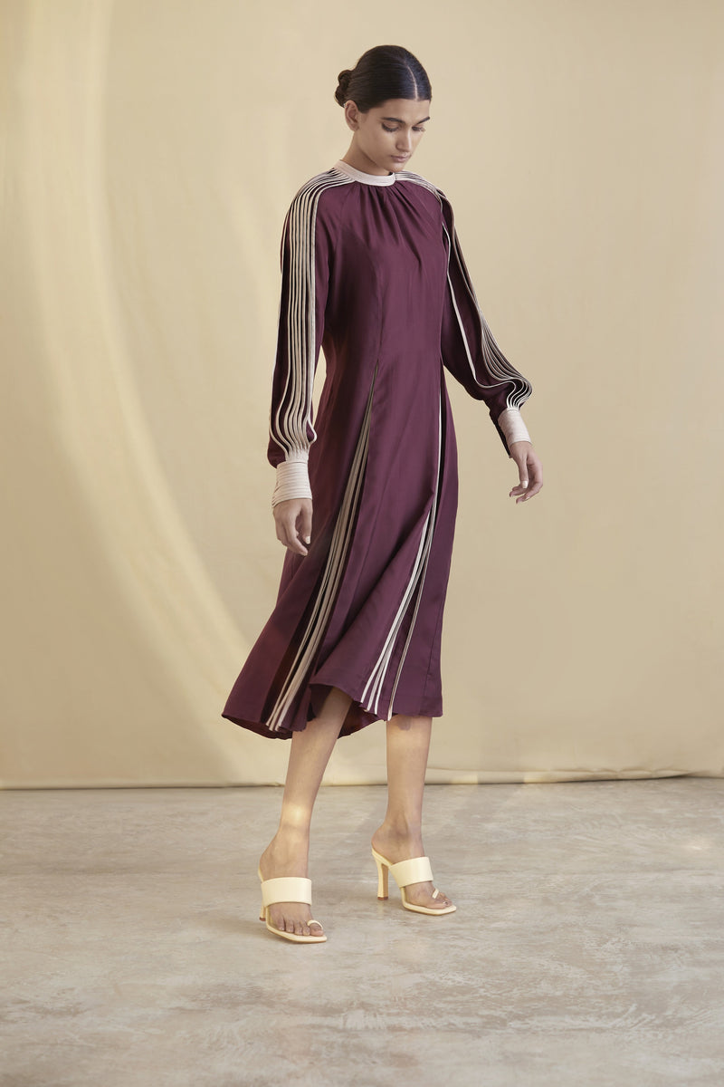 Silk dress with contrast pleating