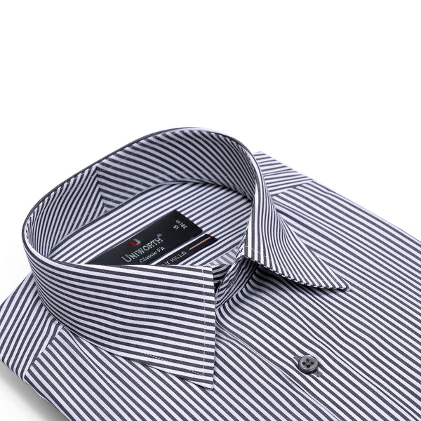Beverly Hills Black And White Stripe Classic Fit Men's Dress Shirt