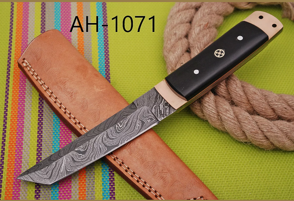 HAND FORGED DAMASCUS STEEL TANTO POINT HUNTING KNIFE WITH HORN HANDLE AH-1071