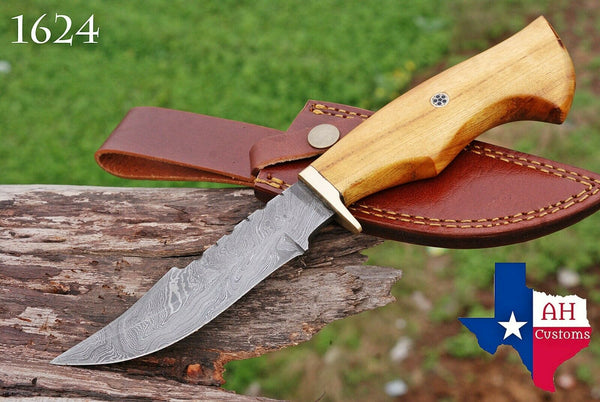 Hand Forged Damascus Steel Hunting Knife With Olive Wood & Brass Guard Handle AH-1624