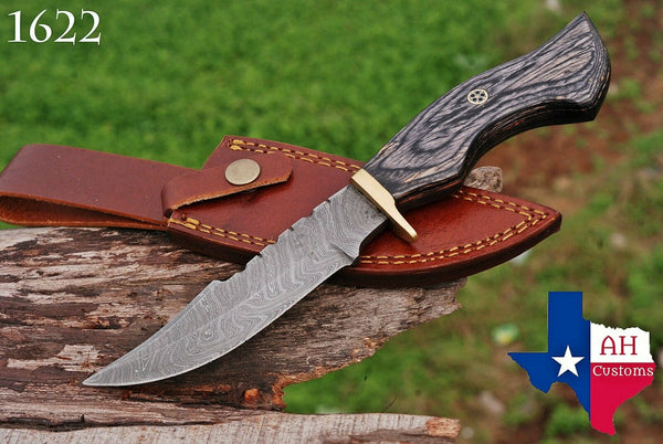 Hand Forged Damascus Steel Hunting Knife With Stained Wood & Brass Guard Handle AH-1622