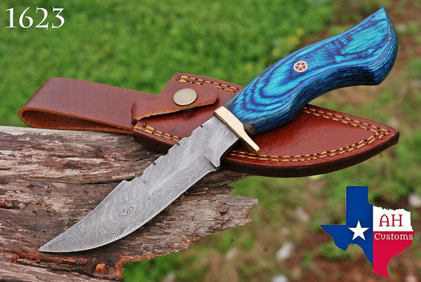 Hand Forged Damascus Steel Hunting Knife With Stained Wood & Brass Guard Handle AH-1623