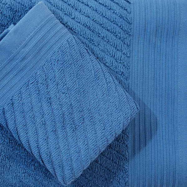 Ocean Waves. Large Bath Towel - Caribbean Blue