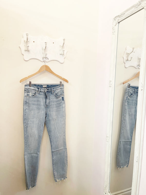 Pants - Silver Jeans Isbister High Rise Slim Leg Jean