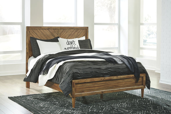 Broshtan - Light Brown -  Panel Bed