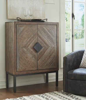 Premridge - Antique Gray - Bar Cabinet