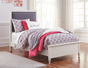 Faelene - Chipped White -  UPH Panel Bed