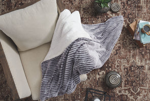 Metea - Gray/Black - Throw (3/CS)