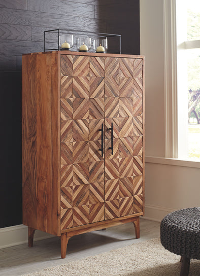 Gabinwell - Two-tone Brown - Accent Cabinet