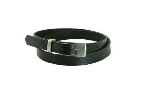 Woman Skinny Black Leather Belt