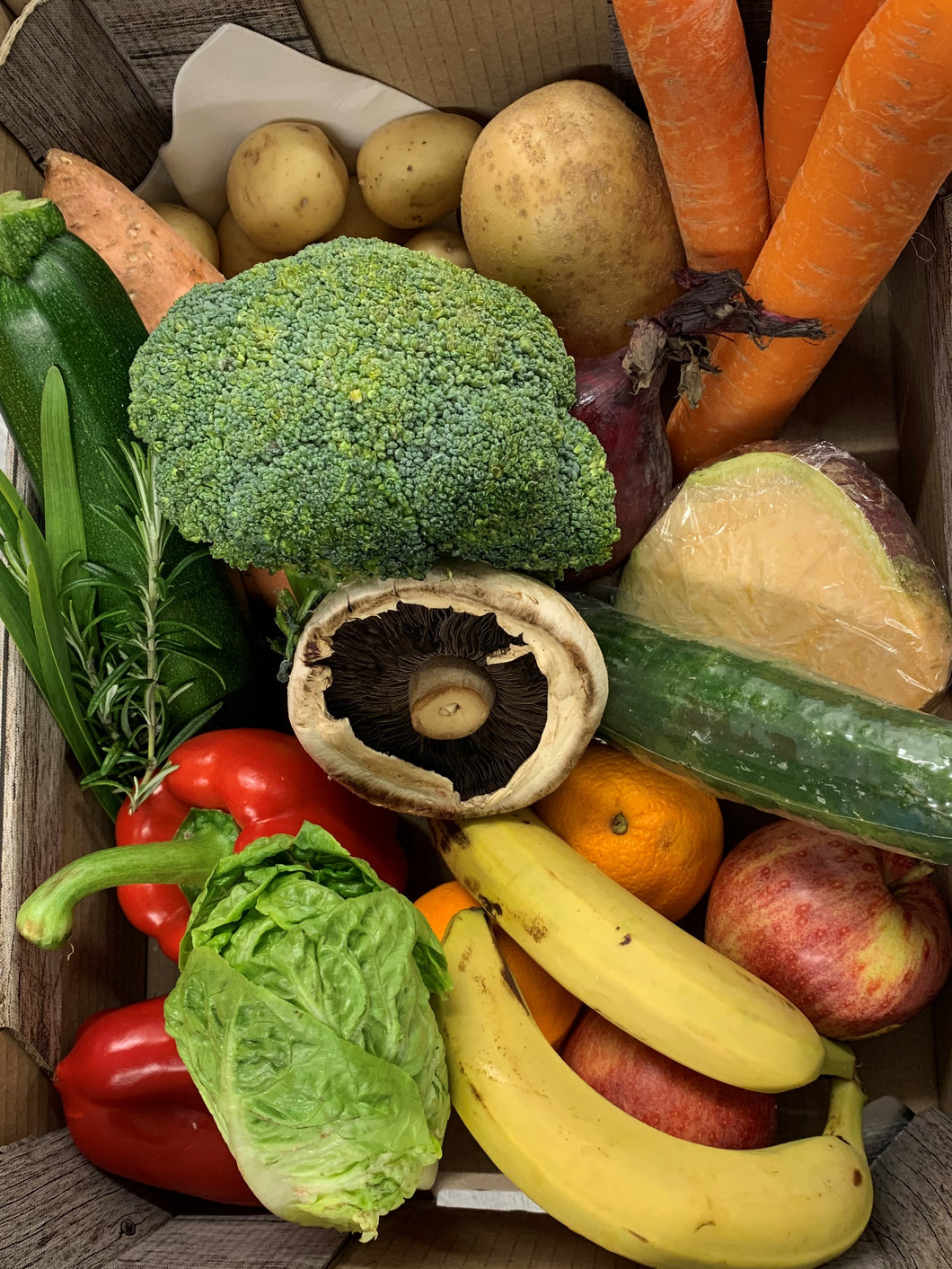 Small veg, fruit and salad box