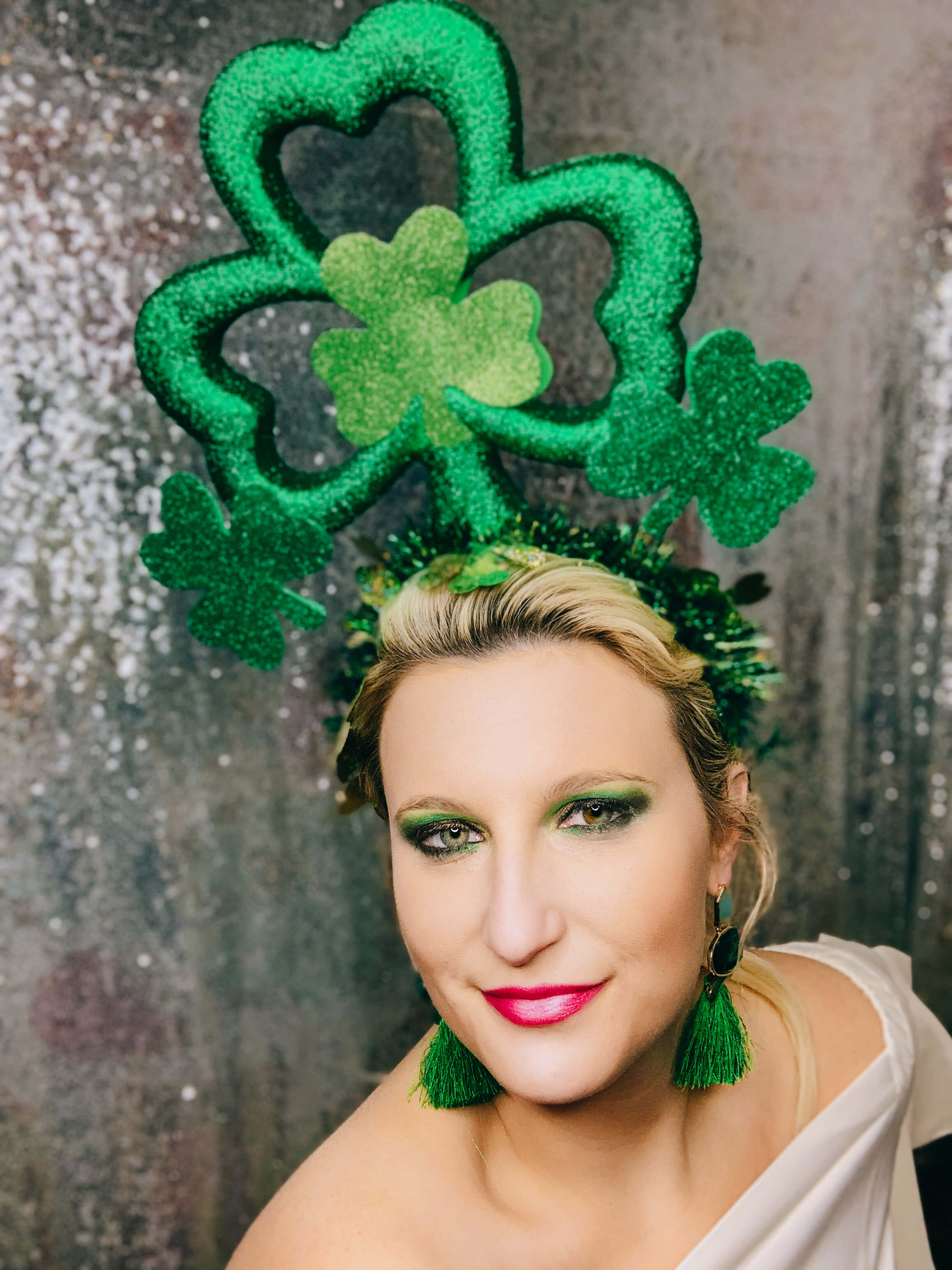 St. Patricks Day Headpiece. St. Patricks Day Accessories. St. Patrick's Day Outfit. Green outfit. Lucky Headband. Clover Headband. St. Patrick's day Headband. Shamrock Headband. Shamrock outfit. Green style. St. Patrick's Day Style.