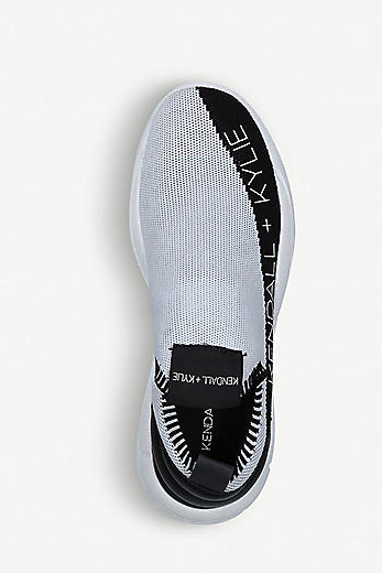KENDALL & KYLIE RUNNER NELLA BLACK AND WHITE