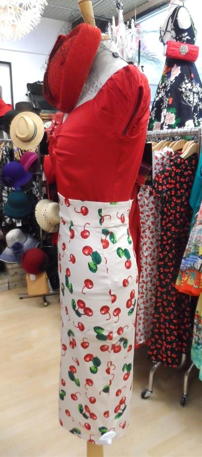 Collectif  Fiona 50's Cherry Print Skirt (Cream) - Bohemian Finds