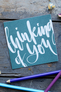 KLEINE QUADRATISCHE POSTKARTE: THINKING OF YOU