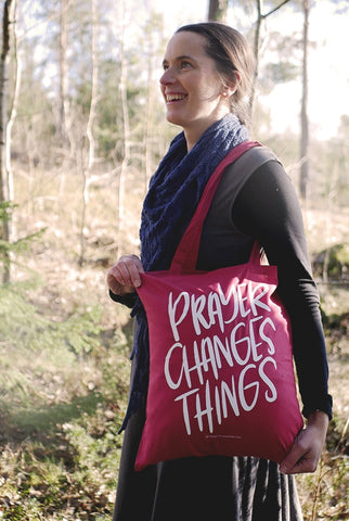 CRANBERRY TRAGETASCHE: PRAYER CHANGES THINGS