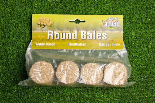 Kids Globe 1:32 Pack of 4 Round Bales  At Beattys Loughrea Galway. Www.beattys.ie