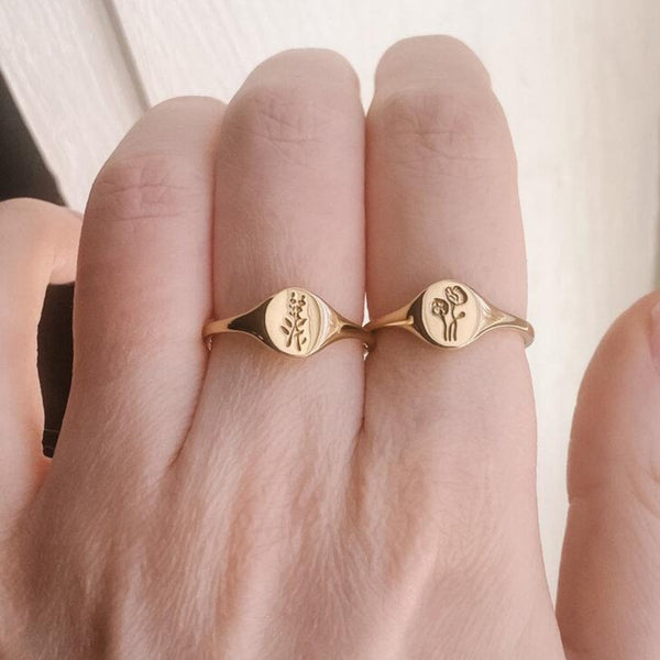 14ct Gold Lavender Mini Signet Ring