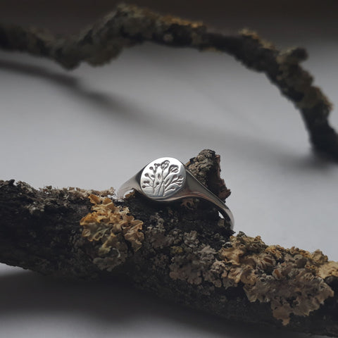 Mini Wildflower Signet Ring