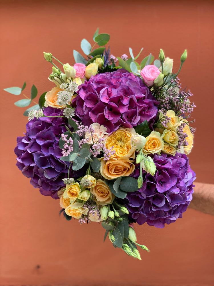 Load image into Gallery viewer, The Eze Bouquet