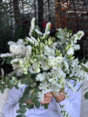The Lisianthus Bouquet | Ticolas.com