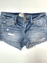 Load image into Gallery viewer, American Eagle Shorts Size 0