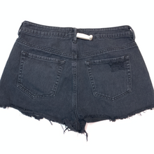 Load image into Gallery viewer, Pac Sun Shorts Size 3/4