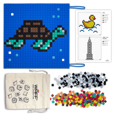 BLUE SILICONE MAT FOR PUZZLE ACTIVITIES WITH PIXEL StyLE CUBES