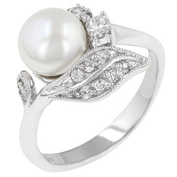 Antique Style Pearl Ring (size: 10)
