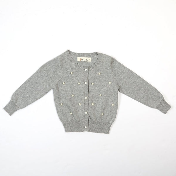 GRAY SWEATER WITH PEARL APPLICATIONS.