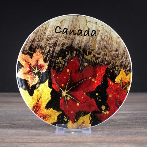 CANADA Plate - Round Glass Maple Leaf 8""