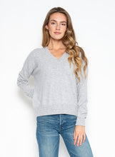 Load image into Gallery viewer, Spencer Cashmere V Neck Heather Grey