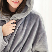 Load image into Gallery viewer, Selke Fleece Hooded Robe Pearl Grey