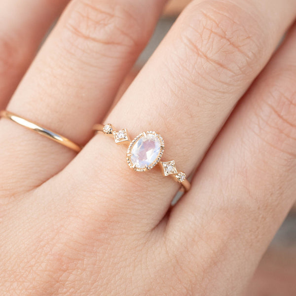 Stella Ring - Rainbow Moonstone