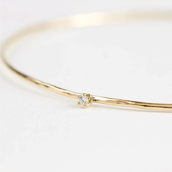 Gold Streaks Hammered Bangle with Diamond